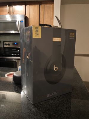 Beats Studio 3 Wireless Studio [ Skyline Edition Midnight Black & Gold ] for Sale in Town 'n' Country, FL