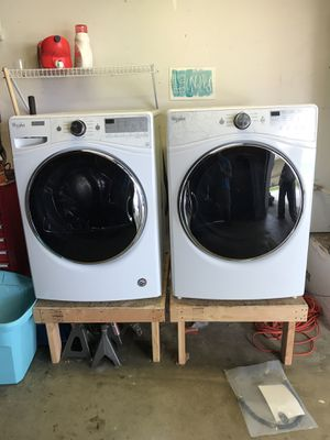Whirlpool Electric Washer & Dryer for Sale in Oceanside, CA