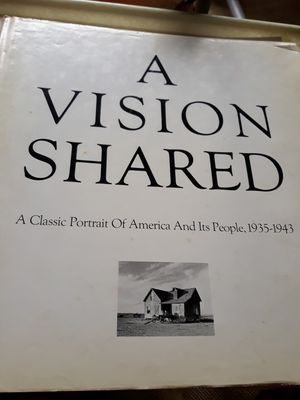 1976 A VISION SHARED. 1935-1943. Hank O'Neal. for Sale in Bolingbrook, IL