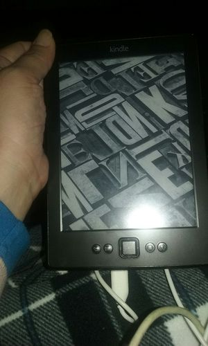 Kindle for Sale in Fresno, CA