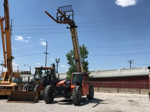 2013 JLG 9k capacity reach forklift for Sale in Chicago, IL