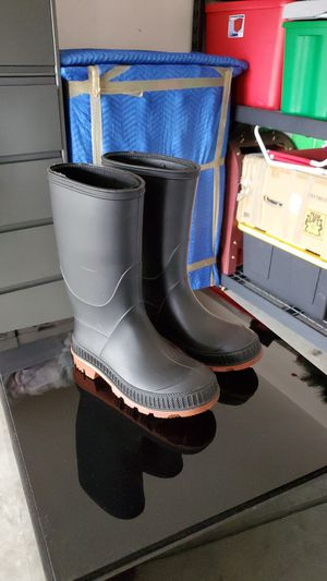 [Rain boots]⛈ for Sale in San Jacinto, CA