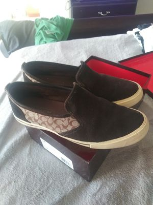 MEN'S SUEDE BROWN COACH CANVAS for Sale in San Leandro, CA