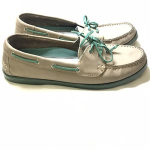Leather boat shoes, brand Tesori size 8 for Sale in Phoenix, AZ