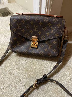 Louis VUITTON | Pochette Metis Cross Body Bag, for Sale in Burbank, IL