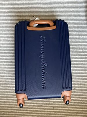 Tommy Bahama Carry On Luggage - 20 Inch Lightweight Rolling Spinner Luggage with Wheels Travel Suitcase, Navycognac for Sale in Montclair, CA