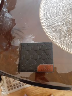 Leather gucci wallet for Sale in Acampo,  CA