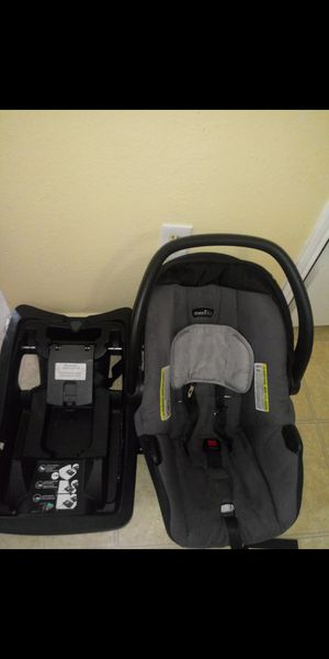 Car seat for Sale in Everman, TX