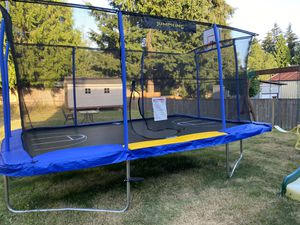JumpKing rectangle trampoline 10x15 for Sale in Lynnwood, WA