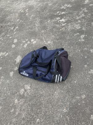 Adidas duffle bag for Sale in Lakewood, WA