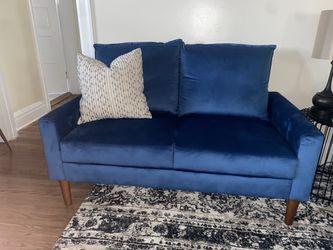 New Stylish Blue Velvet Loveseat for Sale in New Kensington,  PA