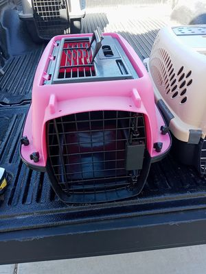 3 PET CARRIERS for Sale in Las Vegas, NV