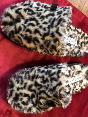 Women's slippers size 8 for Sale in Fresno, CA