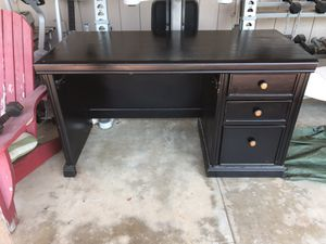 Black Home Office Desk for Sale in El Cajon, CA