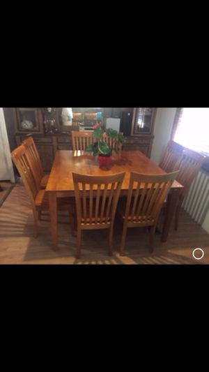 Dining table with 8 chairs for Sale in Phoenix, AZ
