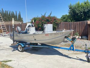 12ft aluminum boat center console for Sale in Chino, CA