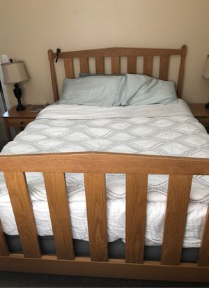 Queen sized pine wood bed frame for Sale in Wenatchee, WA