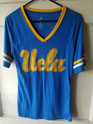UCLA LADYS T- SHIRT V NECK COLOSSEUM ( LARGE JUNIOR SIZE) IN GOOD CONDITION PRE-OWNED for Sale for sale  Lynwood, CA