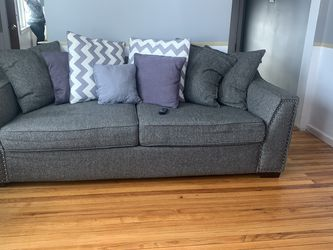 Modern Grey Couch for Sale in Chicago,  IL