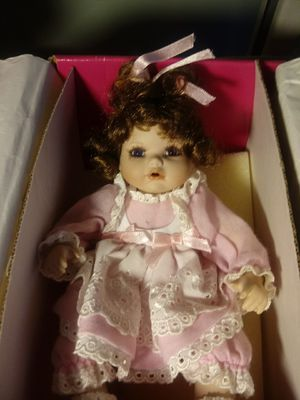 Glass doll for Sale in Leesburg, FL