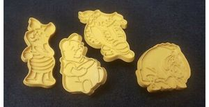DISNEY VINTAGE WILTON COOKIE CUTTER WINNIE THE POOH TIGGER EeYORE PIGLET for Sale in Wyoming, MI