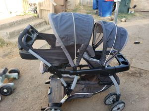 Graco double stroller for Sale in Bakersfield, CA