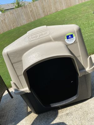 Top Paw Doghouse for Sale in Douglasville, GA
