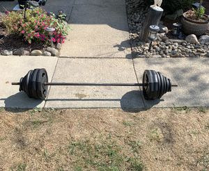 220 lbs Standard Weight w/Bar for Sale in Brunswick, OH