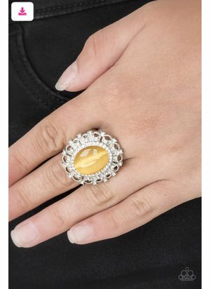 Beautiful silver and moonstone yellow ring. for Sale in Bell, CA