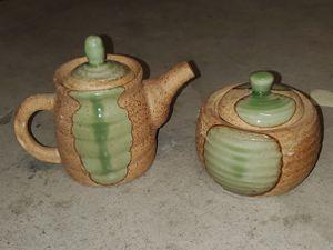 Vintage ceramic teapot and sugar set for Sale in Riverside, CA