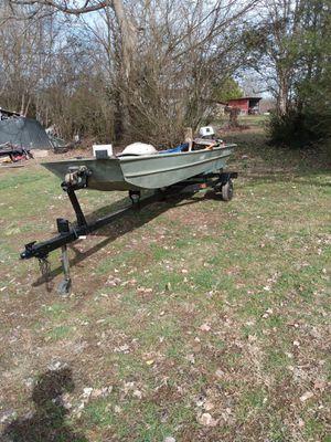 Fishmaster 1432 Jon Boat 5 1/2 HP Evinrude motpr for Sale in White Bluff, TN