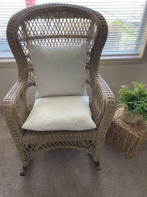 Wicker chair, rocking chair for Sale in Auburn, WA