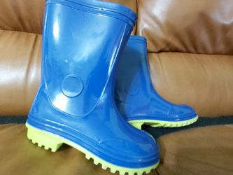 Kids rain boots size 11 for Sale in Hollywood,  FL