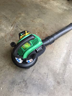 Weedeater gas leaf blower excellent new condition for Sale in Waterford Township, MI