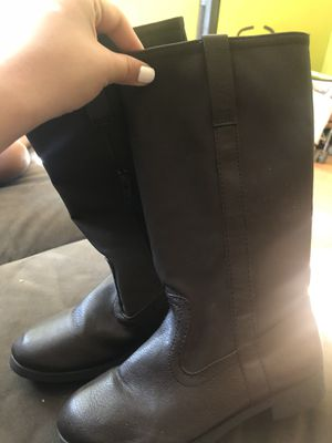 boots for girl size 2 for Sale in Los Angeles, CA