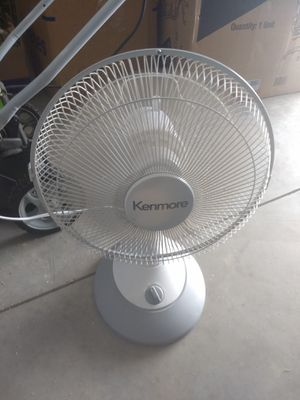 Oscillating table fan for Sale in Lewis Center, OH