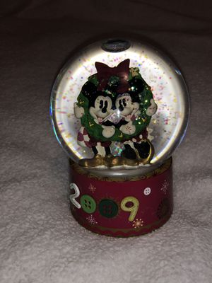 MICKEY MOUSE SNOW GLOBE 🐭 for Sale in Berea, OH