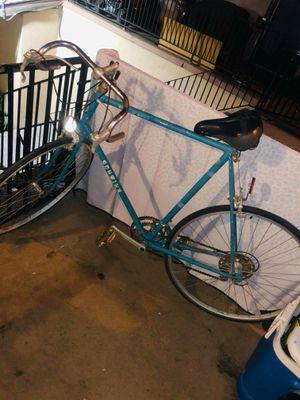 Schwinn bike for Sale in Ontario, CA