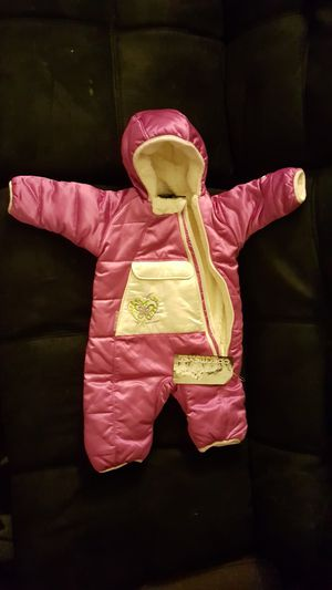 Infant Baby Snow Suit 0-6 mos Pink NEW!!! for Sale in Ellisville, MO