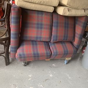 FREE Loveseat Hide a Bed Sofa Sleeper Free 1st Come gets its NO HOLDS for Sale in Port St. Lucie, FL