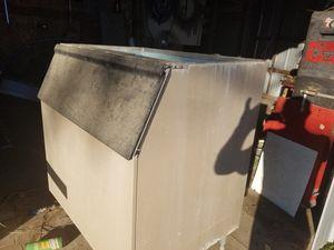 Bin for ice machine 200 obo for Sale in Silsbee, TX
