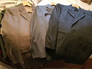 3 free suits for Sale in Knoxville, TN