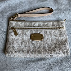 Mk wristlet for Sale in Campbell, CA