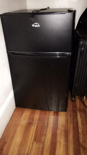 Walsh Mini fridge and Microwave for Sale in DORCHESTR CTR, MA