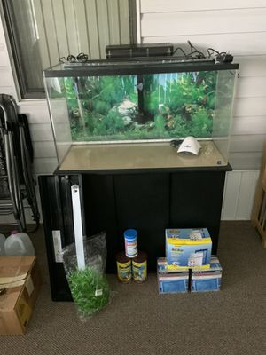 50 gallon acrylic aquarium fish tank and stand for Sale in Eagle Lake, FL