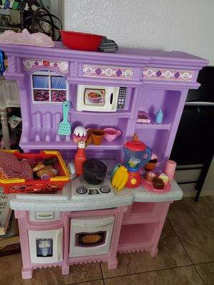 Step 2 kids toy kitchen for Sale in Peoria, AZ