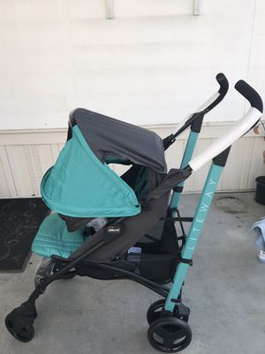 Chicco baby stroller for Sale in Gardena, CA