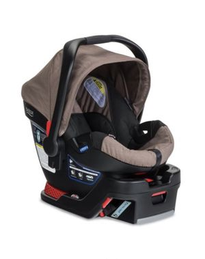 Britax car seat and base for Sale in North Andover, MA