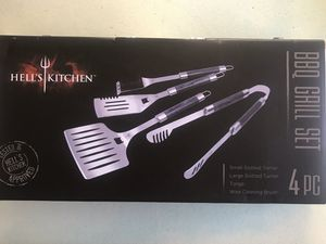 Hells Kitchen BBQ Grill Set 4pc for Sale in Suisun City, CA
