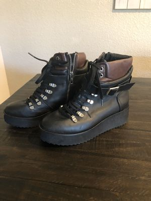 Steve Madden boots for Sale in Rancho Cordova, CA